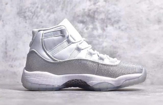 "Air Jordan 11 "" Metallic Silver "" 满天星运动鞋"